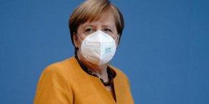 Merkel: Berlin'de salgın kontrolümüzde değil