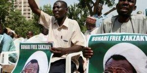 Nijerya'da Halk Sokaklara Döküldü