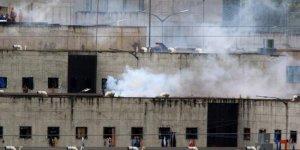 Ekvador'da cezaevinde isyan: 75 mahkum öldü