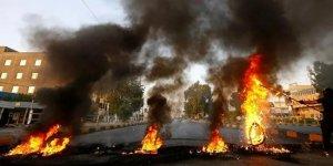 Irak'ta gösteriler: Vali istifa etti