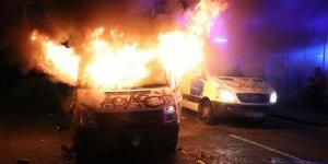 İngiltere'de sokaklar yangın yerine döndü