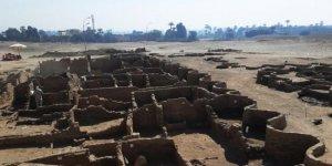 """Mısır'ın 3 bin yıllık """"Kayıp Altın Kenti"""" bulundu"""