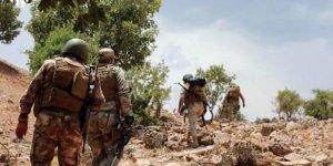 Irak askerleri TSK ile PKK arasında çatışmaların yaşandığı Metina'da!