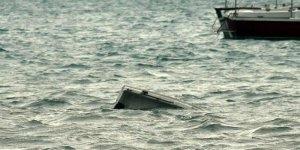 Tekne alabora oldu: En az 15 ölü