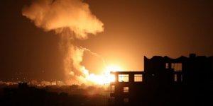 Kahrolası İsrail, Gazze Şeridi'ne hava saldırısı düzenledi