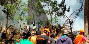 Filipinler'de askeri uçak düştü: En az 29 ölü