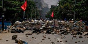 Myanmar'daki çatışmalarda 40 asker öldürüldü