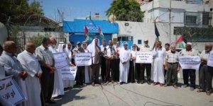Gazzelilerden İsrail'e protesto: Abluka kalksın, evler inşa edilsin