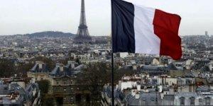 Fransa'da Müslümanları hedef alan tasarı yasalaştı