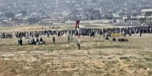 Kabil'den kalkan tahliye uçağının iniş takımlarında insan vücudu parçaları bulundu