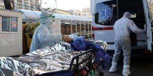 İran'da son 24 saatte 453 kişi Covid-19'dan hayatını kaybetti